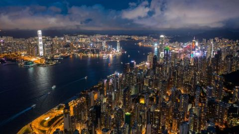 【調查】港千萬富翁縮水7000人-八成看淡樓市