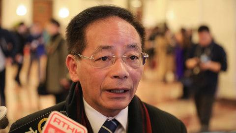 港區代表委員啟程赴京參加兩會 葉國謙料會討論改革香港選舉