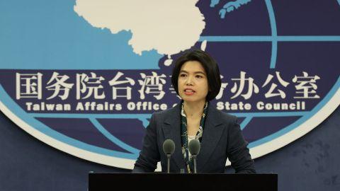 國台辦警告台灣當局:停止政治操弄香港事務 勿在錯誤道路上滑下去-