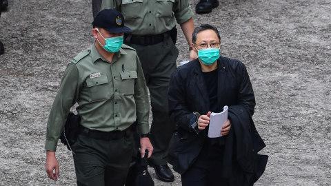 非法佔中案九被告上訴 戴耀廷由囚車押至高院