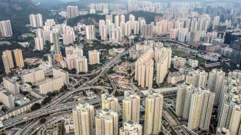 【樓市供應】新樓未來四年潛在供應增至9.3萬伙