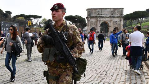 歐盟外長會討論建5000人快速反應部隊 德法等14國支持