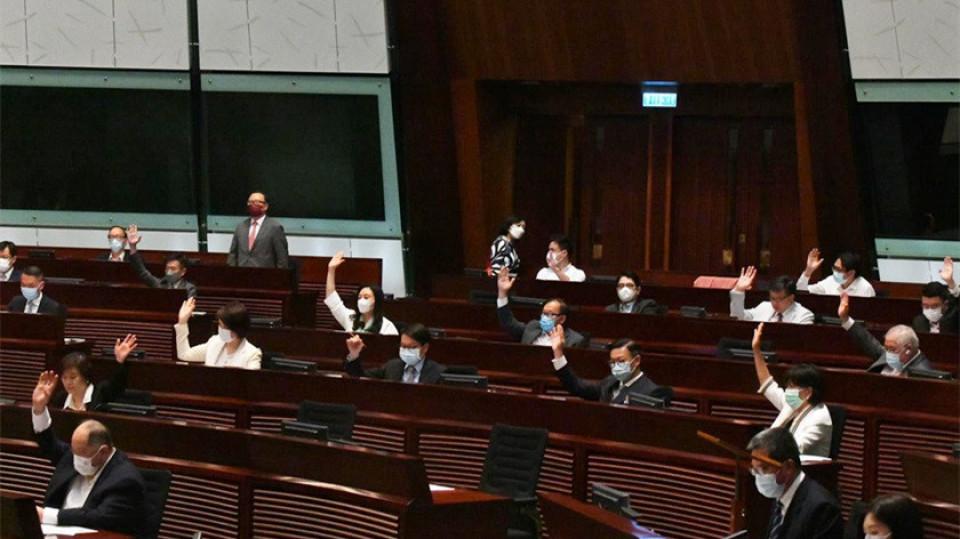 【龔靜儀】區議員宣誓可望將區議會亂象撥亂反正