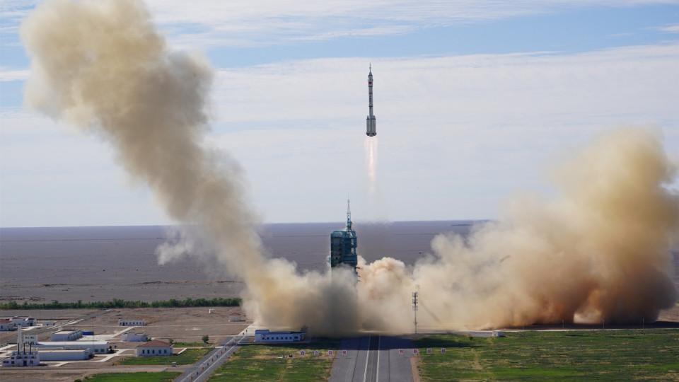 【有片】神舟十二號載人飛船發射升空 三名航天員開啟為期3個月飛行任務