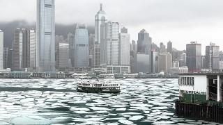 【藝聞】網紅攝影師SurrealHK個展 用影像關注香港氣候變化與房屋問題