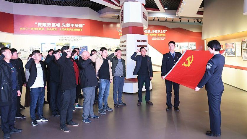 中共中央組織部:黨員總數9514.8萬名 過半有大專以上學歷