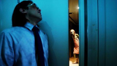 【影訊】陳果《鬼同你住》發布新預告與海報-另類驚慄片關注香港住房問題