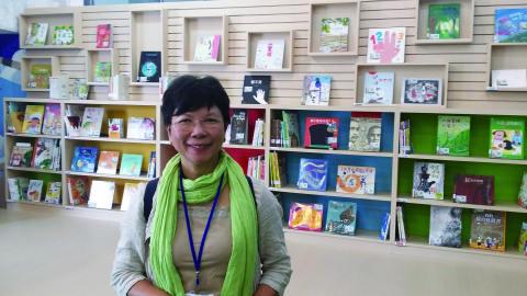 【專訪】兒童文學作家何巧嬋︰與孩子分享生活的味道