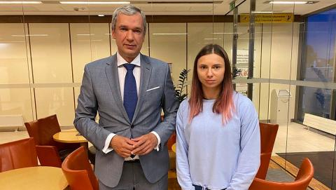 白俄東奧女跑手抵達華沙 其丈夫將由烏克蘭赴波蘭