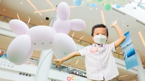 【好去處】全港最大熱氣球裝置-奧海城化身遊戲天地