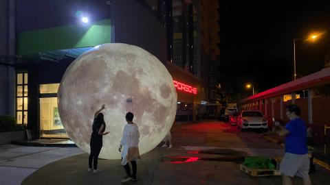 【好去處】大型光影SHOW觀塘上映-巨型月亮發光玉兔陪你過中秋!