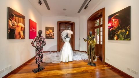 【看展覽】梅艷芳紀念展覽10月1日起舉辦-精選三套《梅艷芳》電影戲服展出