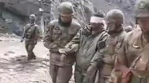 【有片】中國邊防戰士俘虜印軍影片曝光-印兵被扶前行未受虐待
